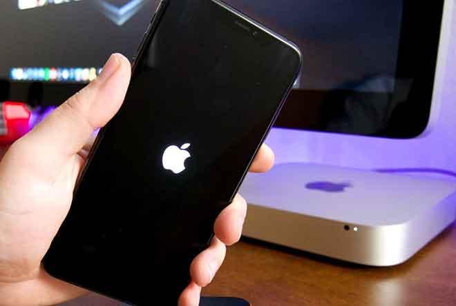 iPhone застрял с яблоком, как исправить