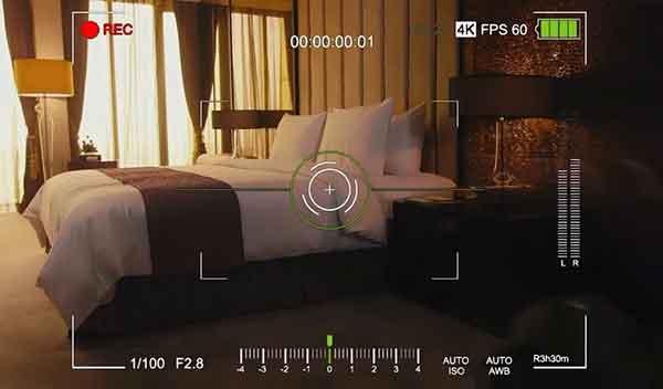 Как спрятать камеру в спальне?